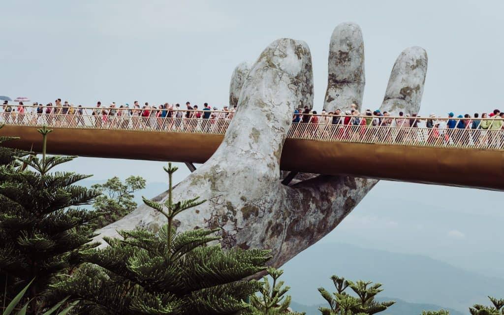 golden hand bridge vietnam